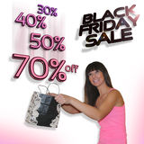 svart friday försäljning Nätt flicka som fångar stora rabattprocent Fotografering för Bildbyråer