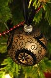 svart guld- julgarnering för boll Royaltyfri Bild