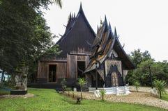 Svart hus i Chiangrai, Thailand Arkivbilder