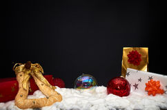 svart jul för bakgrund som fäster den bland annat banan för garnering ihop Royaltyfria Foton