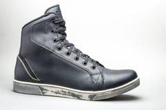 Svart känga för tillfällig sko Arkivfoto