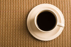 Svart kaffe på en tabell Royaltyfri Fotografi