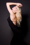 svart klänningflickaglamour Royaltyfri Bild
