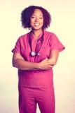 Svart kvinnasjuksköterska royaltyfria bilder