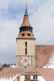 Svart kyrkatornet Brasov Arkivfoton