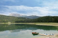 Svart lake Durmitor nationalpark Montenegro Fotografering för Bildbyråer