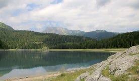 Svart lake Durmitor nationalpark Montenegro Royaltyfri Bild