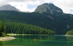 Svart lake i den Durmitor nationalparken, Montenegro Arkivbilder