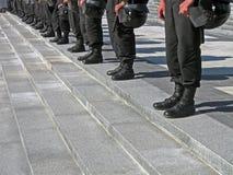 svart likformig för polis för hjälm för hård hatt för kedja Royaltyfria Foton