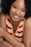 svart lycklig kvinna arkivfoto