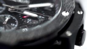 Svart manlig armbandsurmakro stock video