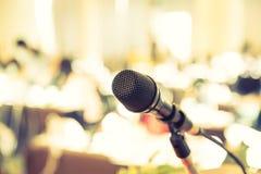 Svart mikrofon (den bearbetade filtrerade bilden royaltyfria bilder