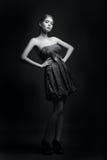 svart modelookwhite Fotografering för Bildbyråer