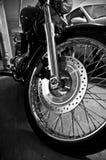 svart motorcykelwhite royaltyfri bild