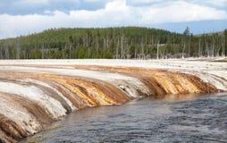 svart nationalparksand yellowstone för handfat Arkivfoto