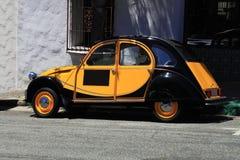 Svart orange Beatle för antikvitet bil Fotografering för Bildbyråer