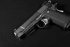 svart pistol för airsoft Fotografering för Bildbyråer