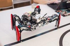 Svart plast- mekanisk robotspindel Royaltyfri Bild