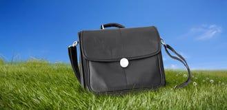 svart portföljfältgreen Fotografering för Bildbyråer