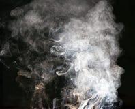 svart rök för bakgrund Arkivfoton