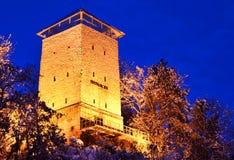 svart romania för brasovfästninglandmark torn Royaltyfria Foton