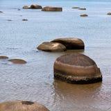 Svart sandstrand på den Langkawi ön, Malaysia Royaltyfri Bild