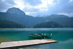 Svart sjö (den Crno jezeroen) - Durmitor Arkivbild