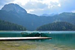 Svart sjö (den Crno jezeroen) - Durmitor Royaltyfria Bilder