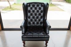 svart sofa Royaltyfri Bild