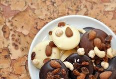 Svart som är vit och, mjölkar choklad Arkivbilder