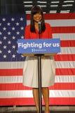 Svart supporter av Hillary Clinton Campaign Rally för presidentsämbete Arkivfoto