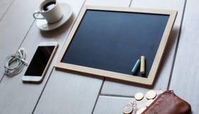 Svart tavla eller svart tavla som är klara för text Utbildning eller arbete, affär, jobbbegrepp Fotografering för Bildbyråer