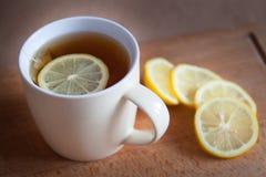 Svart tea med citronen Royaltyfria Foton