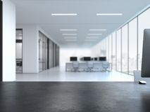 Svart tomt skrivbord på kontorsinre framförande 3d Fotografering för Bildbyråer
