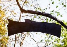 svart tomt wood tecken Arkivfoton
