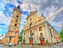Svart torn och St Nicholas Cathedral i Ceske Budejovice, Tjeckien royaltyfria foton