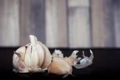svart vitlök för bakgrund Royaltyfria Bilder