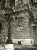 svart white för budapest husopera royaltyfri bild