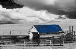 svart white för ladugård Arkivfoto