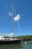 svart yacht arkivbilder