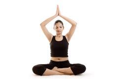 svart yoga för klänningflickaindier Arkivbilder