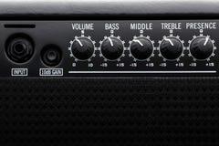 Svarta Bass Guitar Amplifier arkivfoto