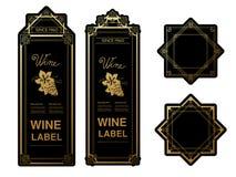 Svarta guld- vinetiketter med druvor på vit bakgrund Rektangel- och stjärnaramar på vinflaskan Dekorativa klistermärkear Royaltyfri Fotografi