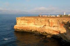 svarta klippor coast det steniga havet Fotografering för Bildbyråer