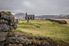 Svarta kyrkan av Budir Island Arkivfoto