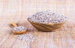Svarta limaktiga ris (svarta klibbiga ris, svarta ris) Royaltyfri Bild