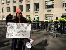 Svarta män och vapenvåld, mars för våra liv, vapenkontroll, protest, NYC, NY, USA arkivfoton