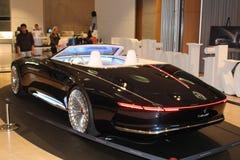 Svarta Mercedes, bakre sikt, utställningsföremål, 21st århundrade royaltyfri bild