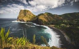 Svarta Pebble Beach på Maui, Hawai 'I royaltyfri bild