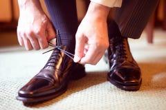 svarta skor för läderman s Royaltyfri Foto